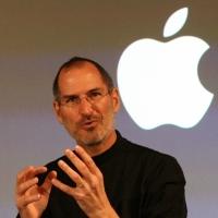 Steve Jobs, a la sombra de la manzana